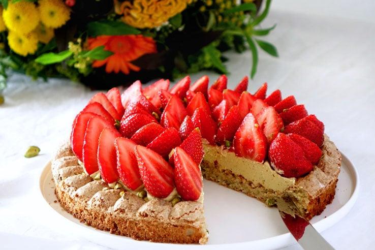 La recette du Montebello fraises et pistache de Pierre Hermé
