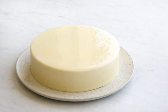 La recette du glaçage miroir au chocolat blanc