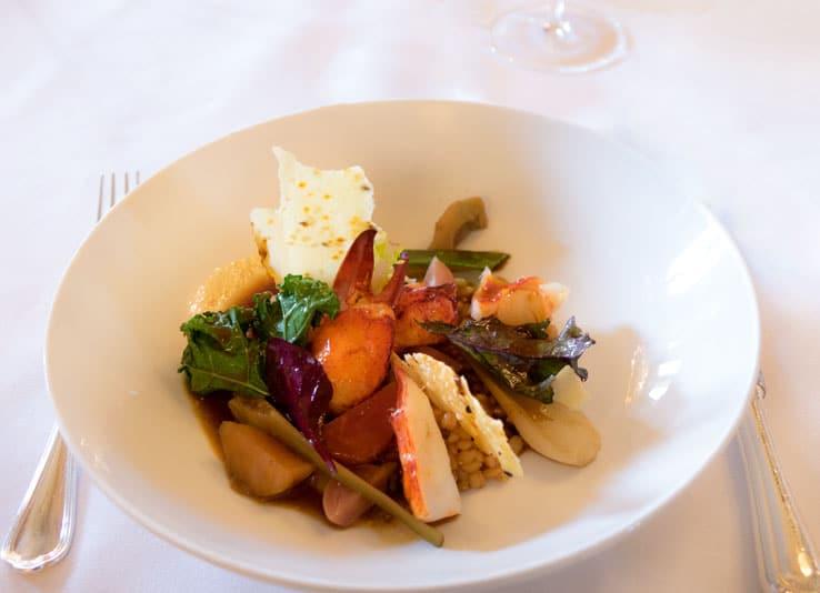 Le brunch du Meurice : Sauté gourmand de homard en croustillant de blé