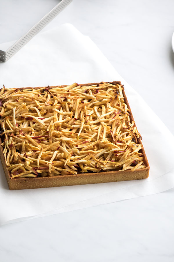 La recette de la tarte aux pommes et raisins secs