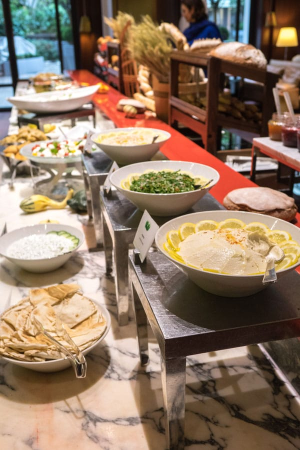 Le buffet salé du brunch du Royal Monceau Paris